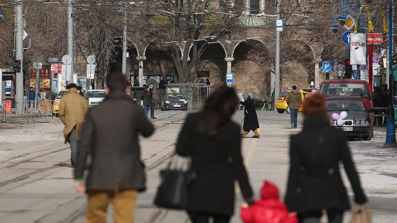 Населението на България е 6 916 548 души към края на 2020 г. НСИ: Намаляваме