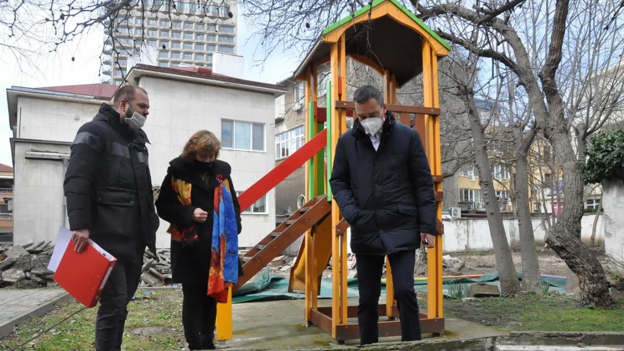 Модернизират 10 детски градини в Бургас