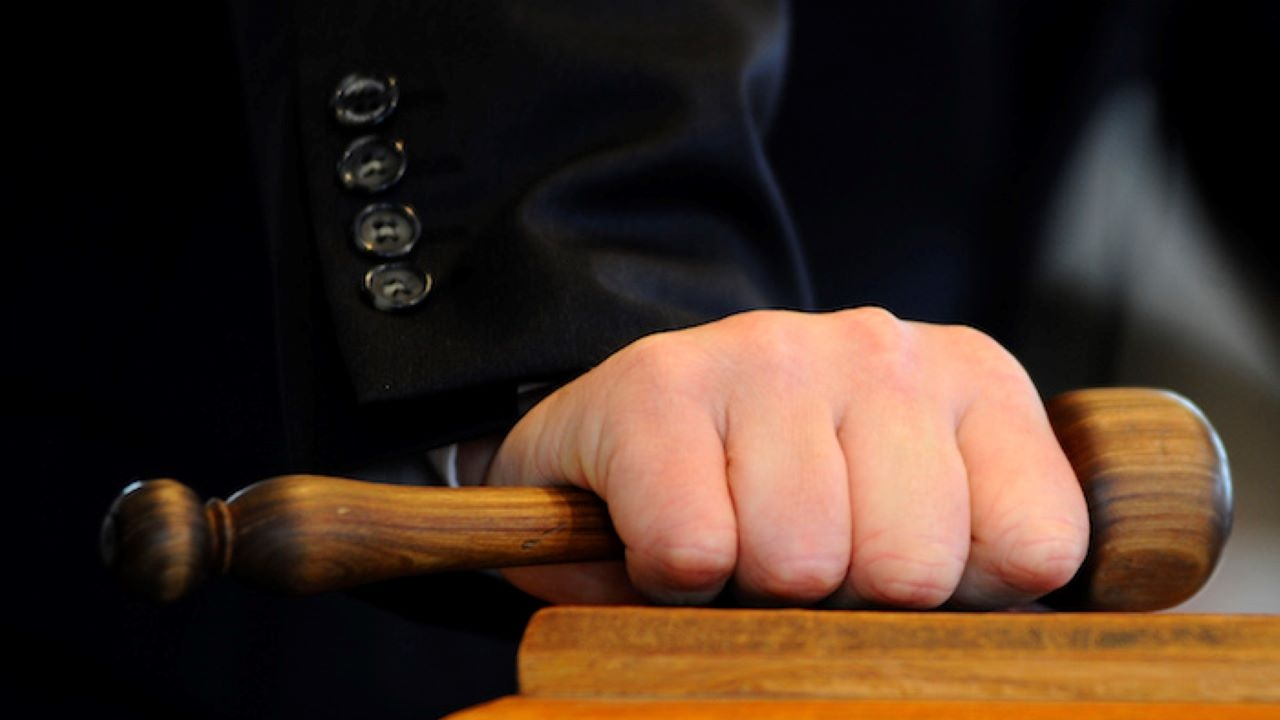 ВКС потвърди присъда на Окръжния съд в Кюстендил по дело за разпространение на наркотици за баба и внук