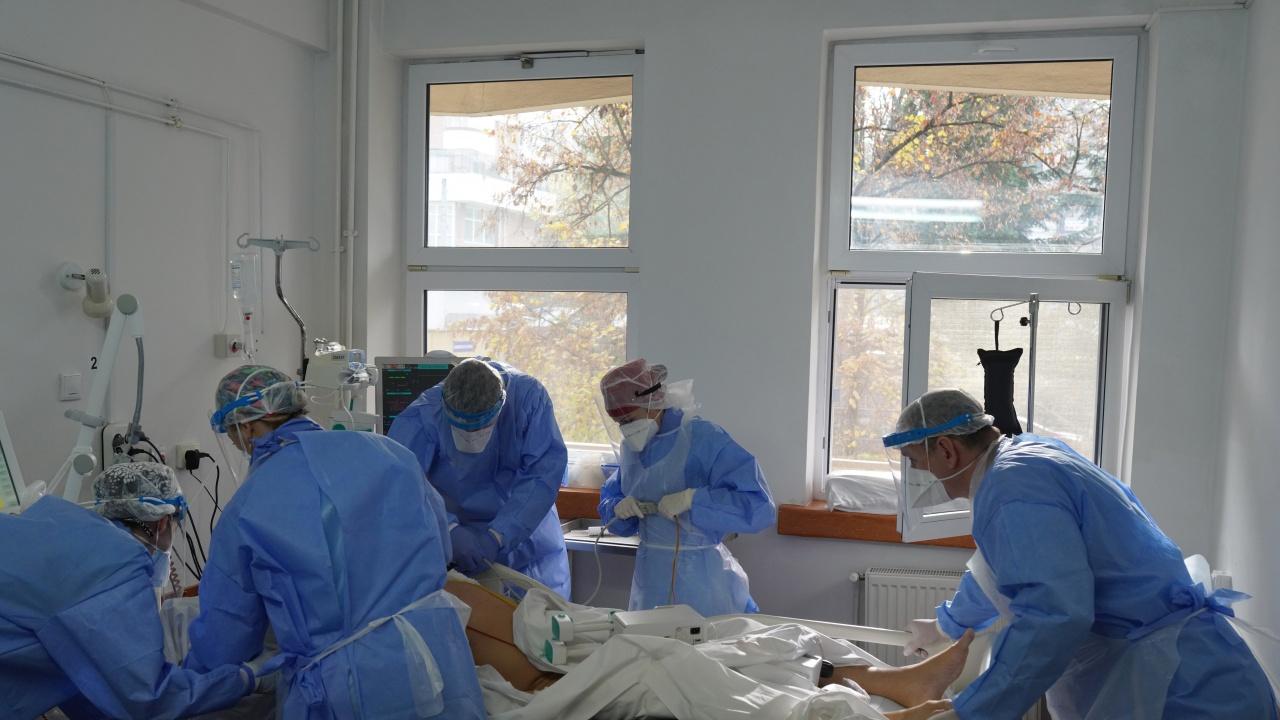Увеличават леглата за COVID-19 в болниците в Троян и в Луковит