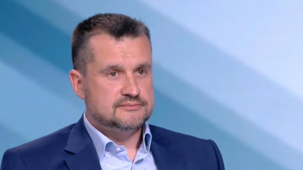 Калоян Методиев: Ако Радев не подкрепи съставянето на правителство, ще означава, че работи срещу интересите на България