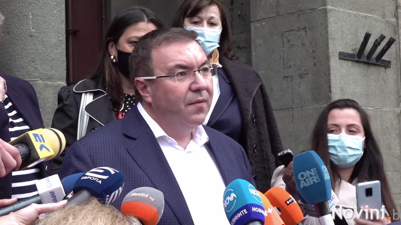 """Министър Ангелов с новини за ваксините на """"АстраЗенека"""" и """"Янсен"""", проговори за Радева и Слави"""