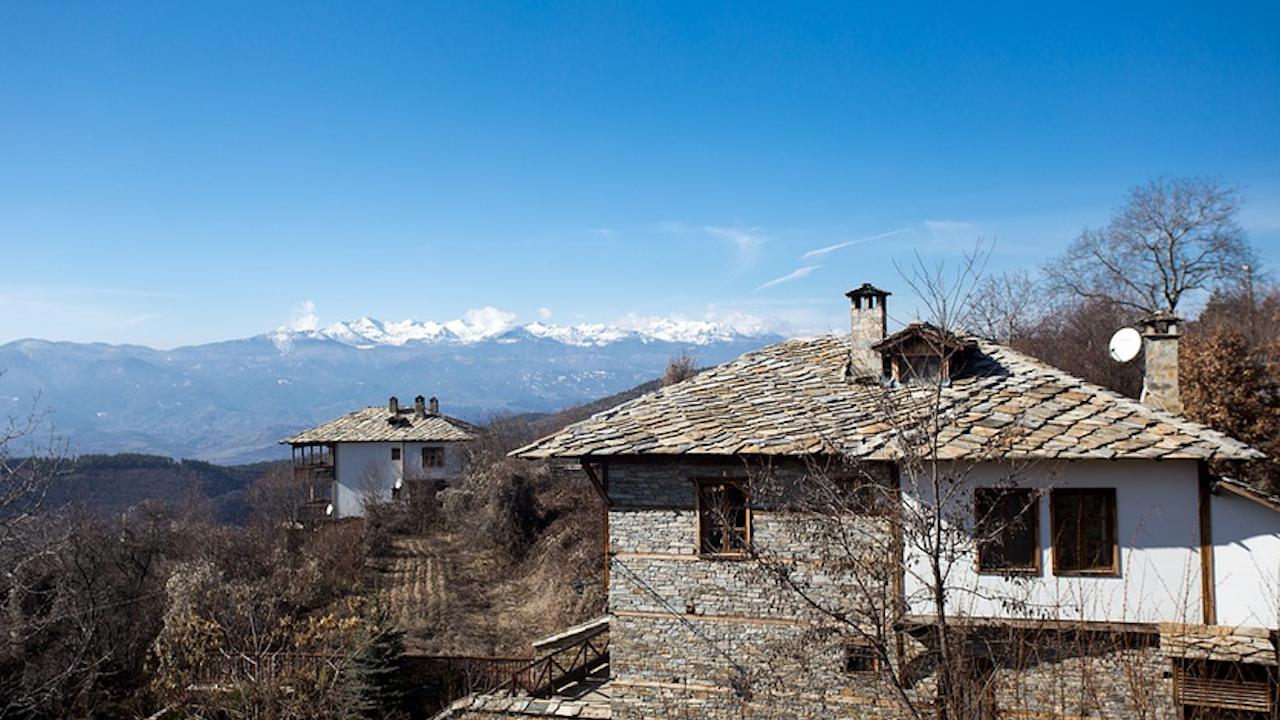 Все повече българи изнасят живота и бизнеса си на село