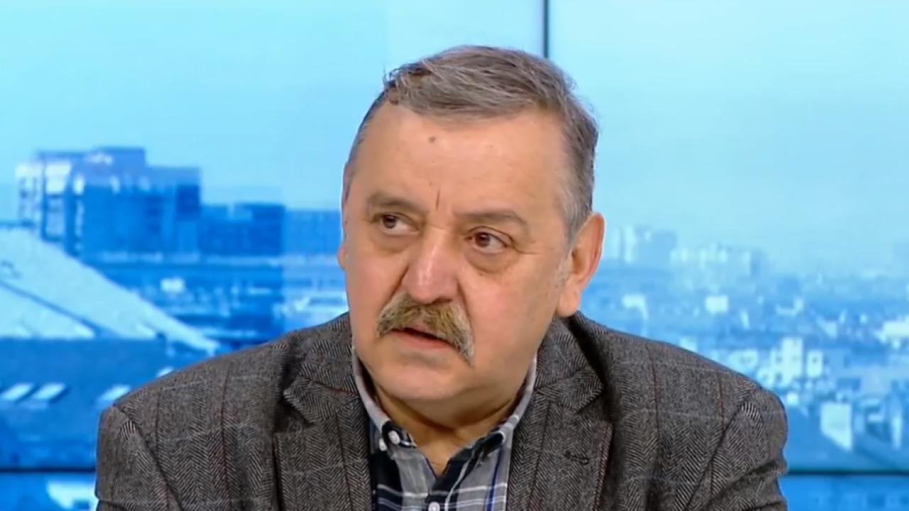 """Проф. Кантарджиев с коментар за ваксинираните с """"АстраЗенека"""" и ваксинацонните паспорти"""