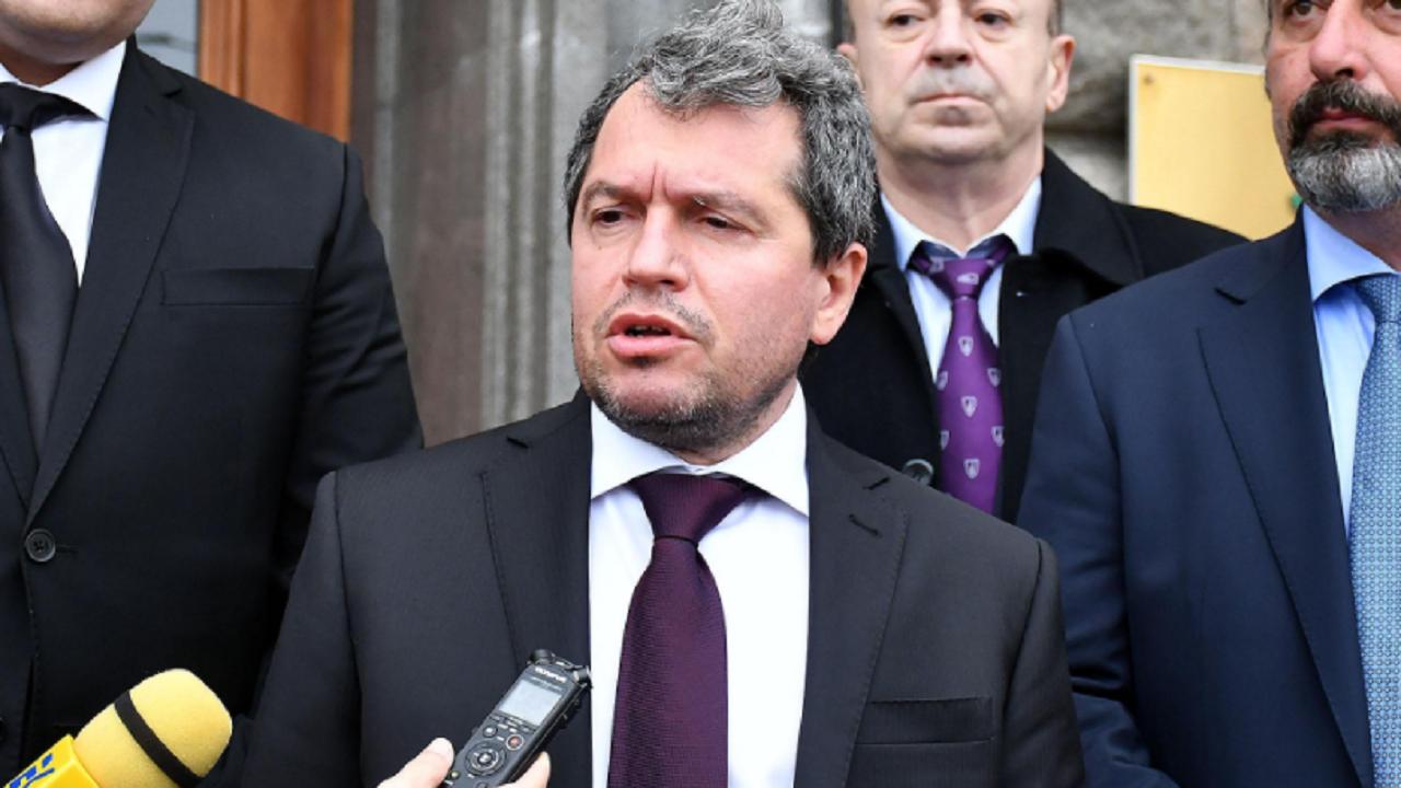 """NOVA отговориха на Тошко Йорданов от """"Има такъв народ"""" за """"Крумовите закони"""""""