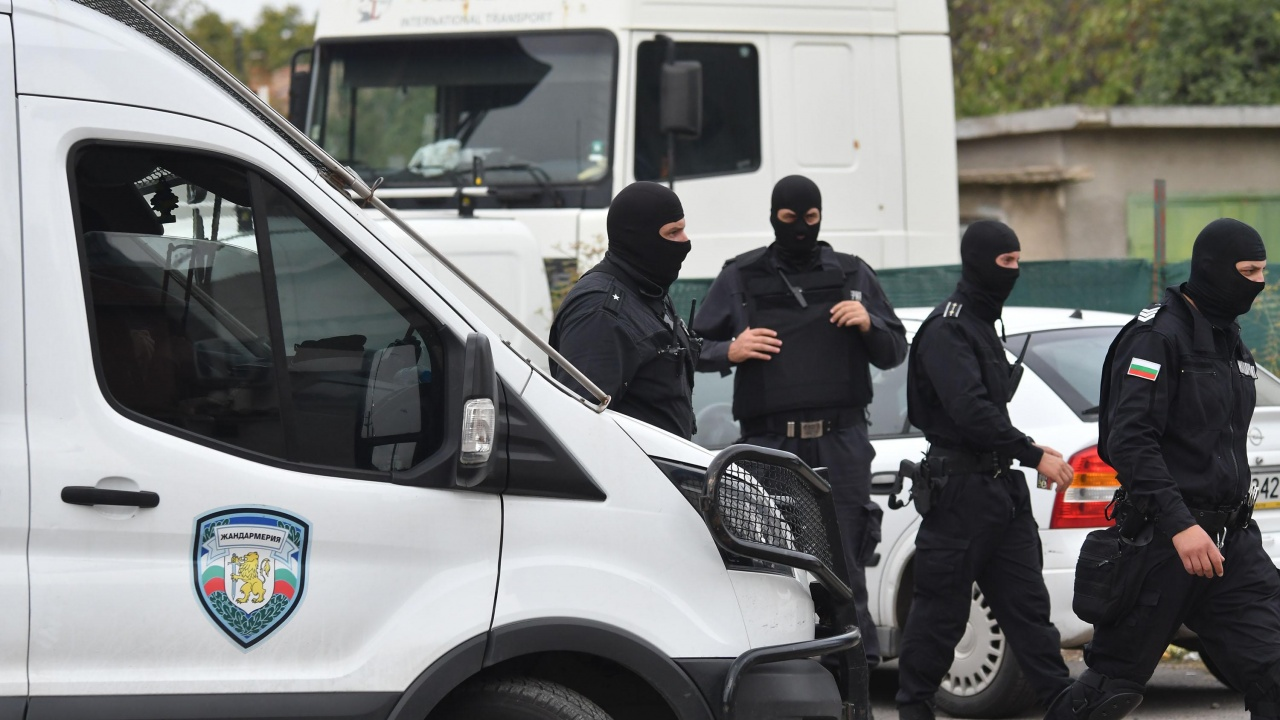 Разбиха депо за наркотици във Варна