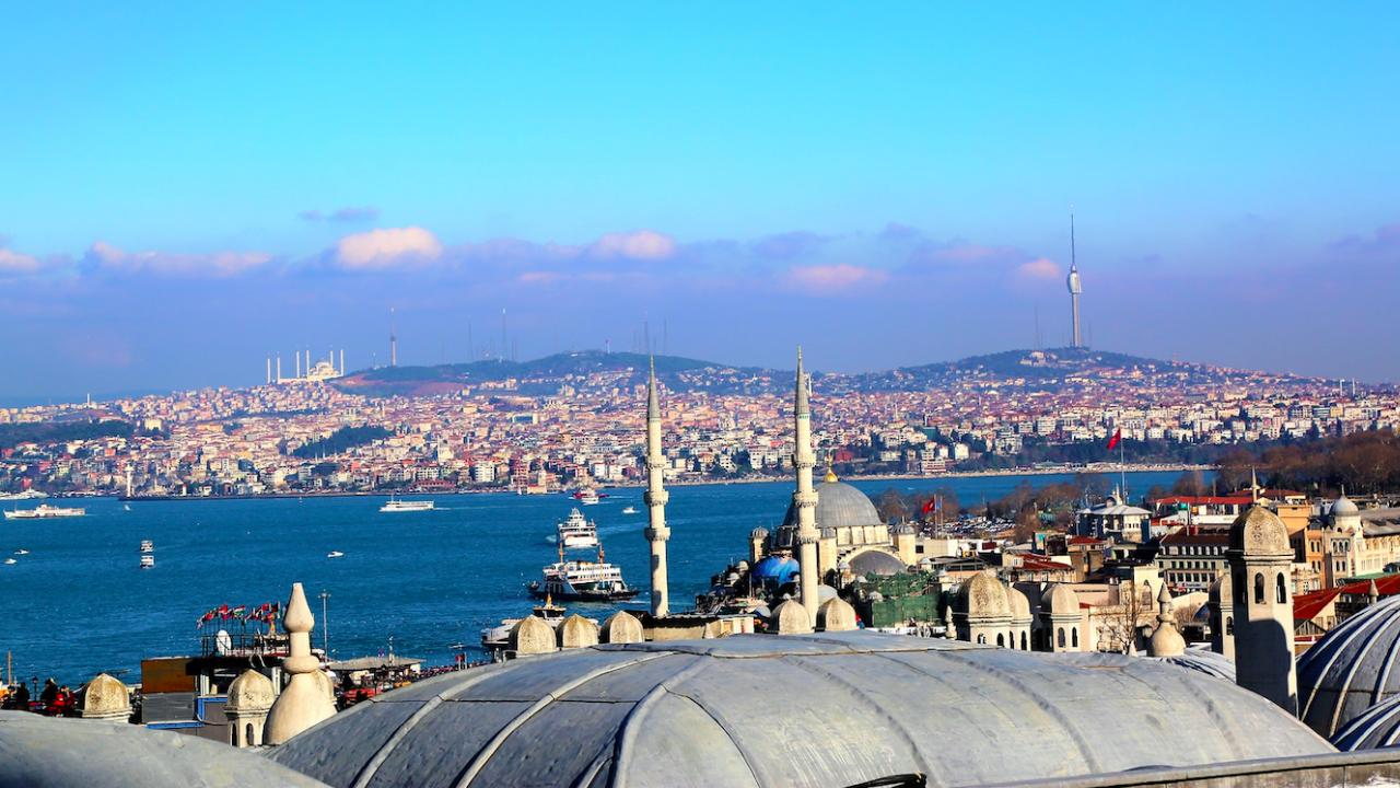 САЩ отмениха изпращането на два военни кораба в Черно море