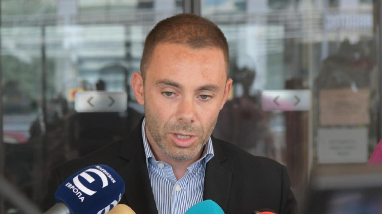 Александър Ненков: Няма значение дали правителството ще е на ГЕРБ или не