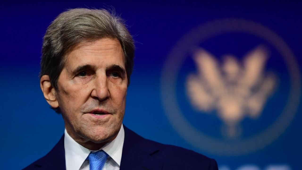 Американският специален пратеник за климата Джон Кери започна срещите си с китайски представители в Шанхай
