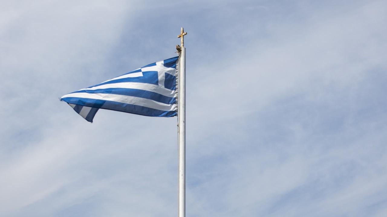 Гърция се отваря за 31 страни. България е сред тях