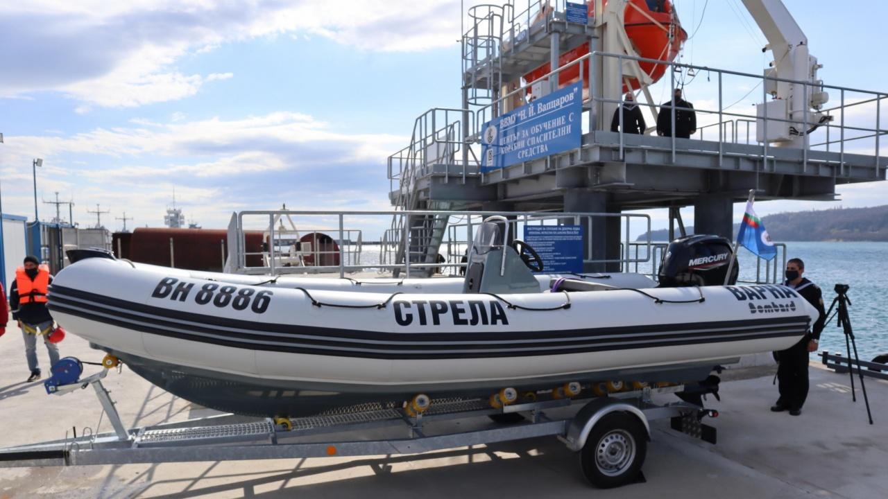 Военноморските сили кръстиха нова лодка във Варна