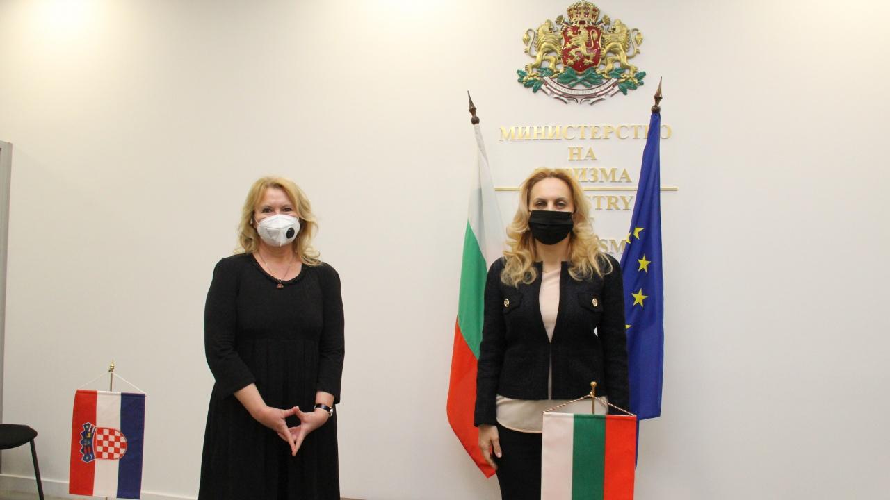 Марияна Николова проведе работна среща с Н. Пр. Ясна Огняновац, посланик на Хърватия