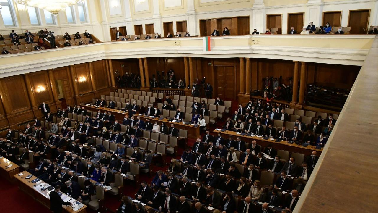 Анализатори: Борисов спаси имиджа си с подадената оставка