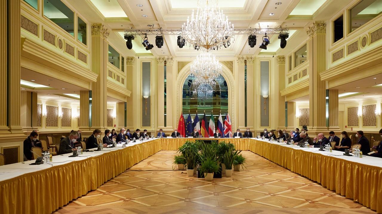 Иран заплаши да напусне ядрените преговори, ако скоро не бъде постигнат напредък