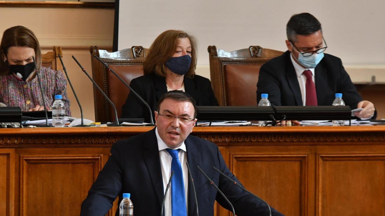 Проф. Ангелов изненадващо в НС: Предизборната кампания свърши!