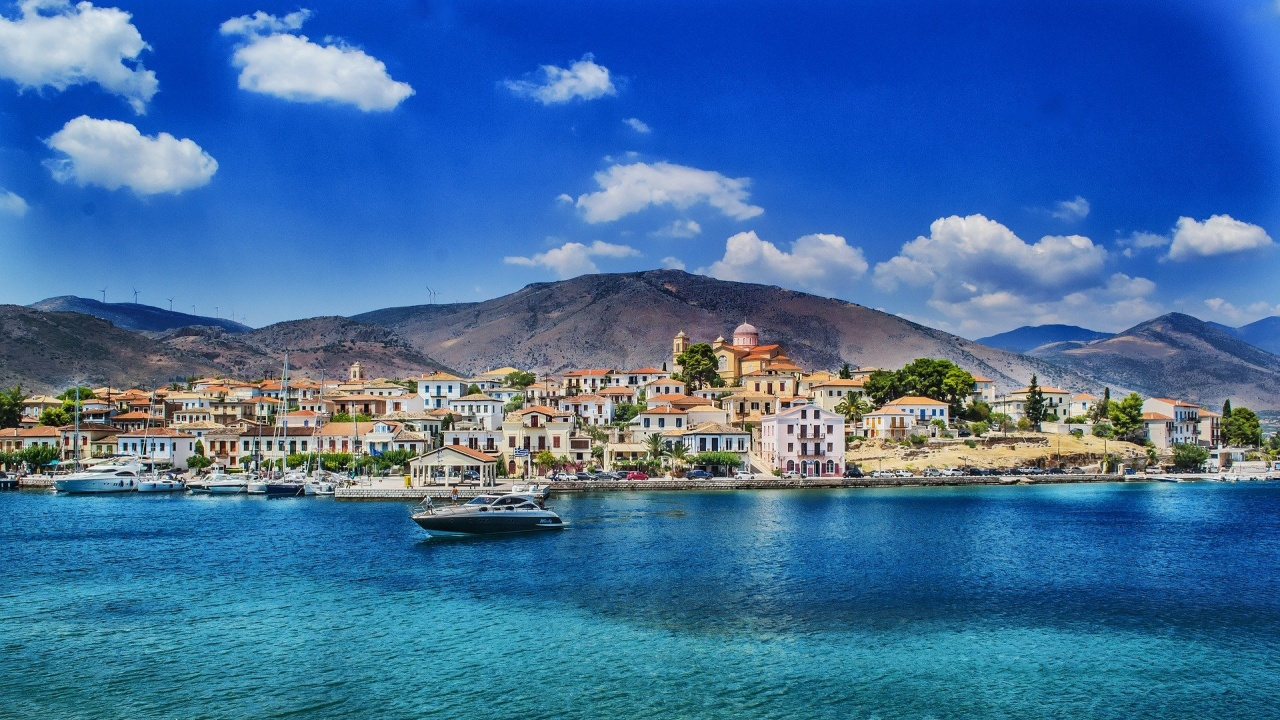 Гръцки острови привличат туристи с ваксиниране на всички жители