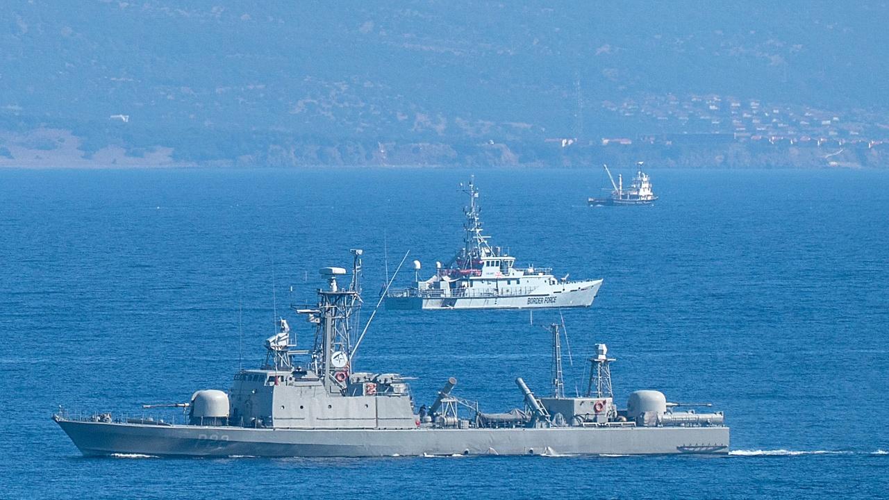 Русия ще ограничи до октомври корабоплаването в три зони около Крим