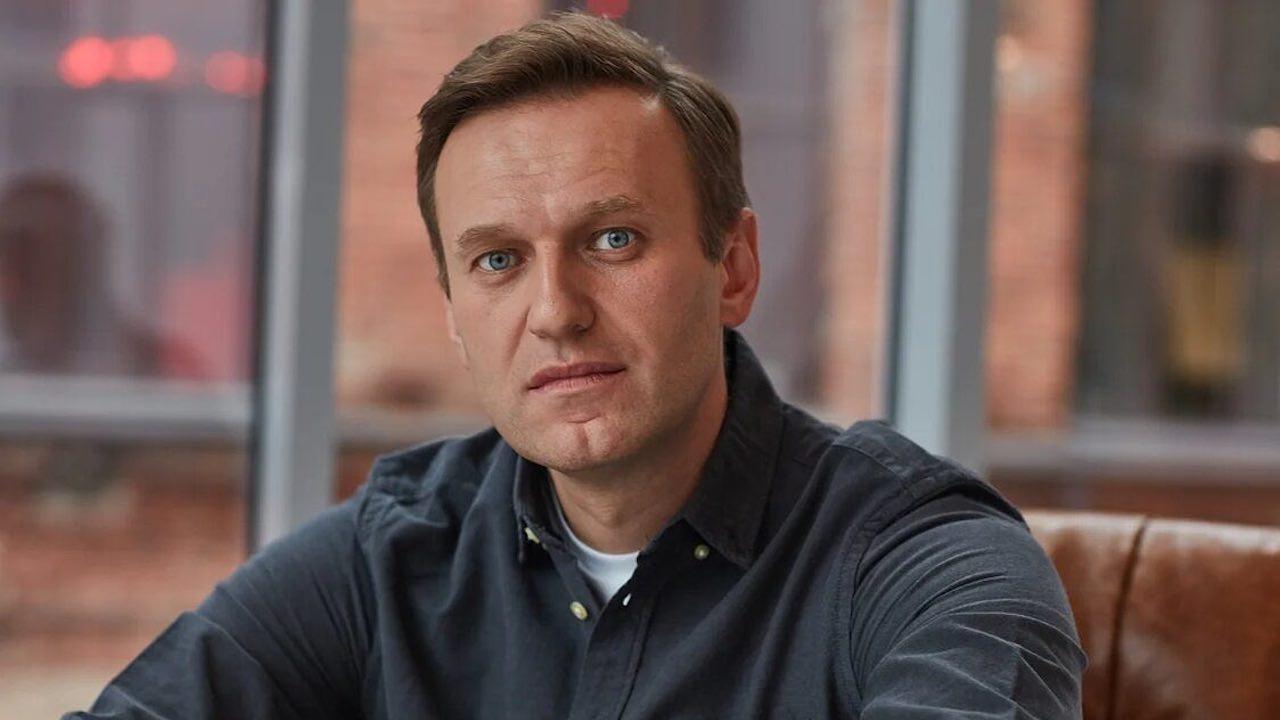 Навални каза, че е заплашван от надзирателите в затвора, за да спре гладната си стачка