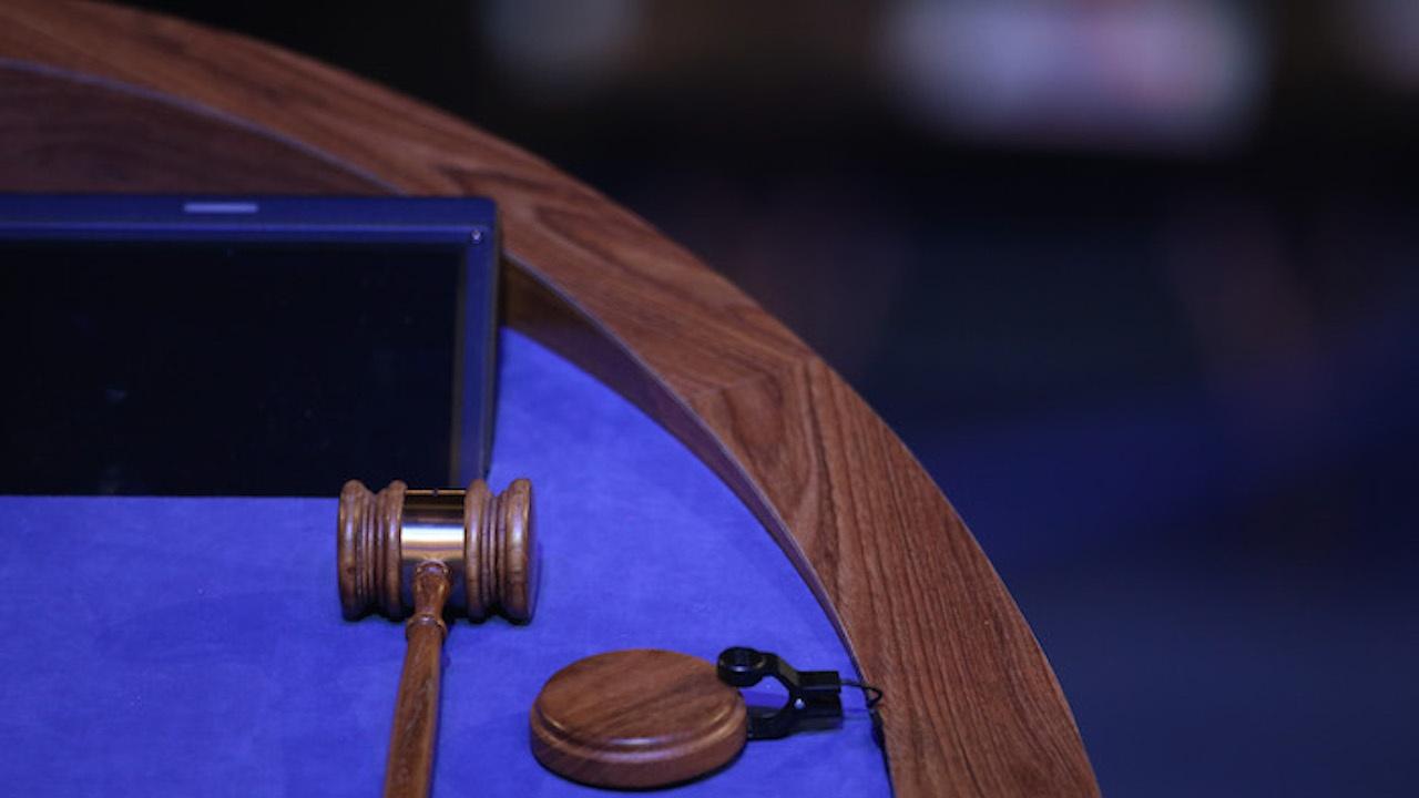 Съдът в Русе отстрани от длъжност обвиняем за подкуп полицай