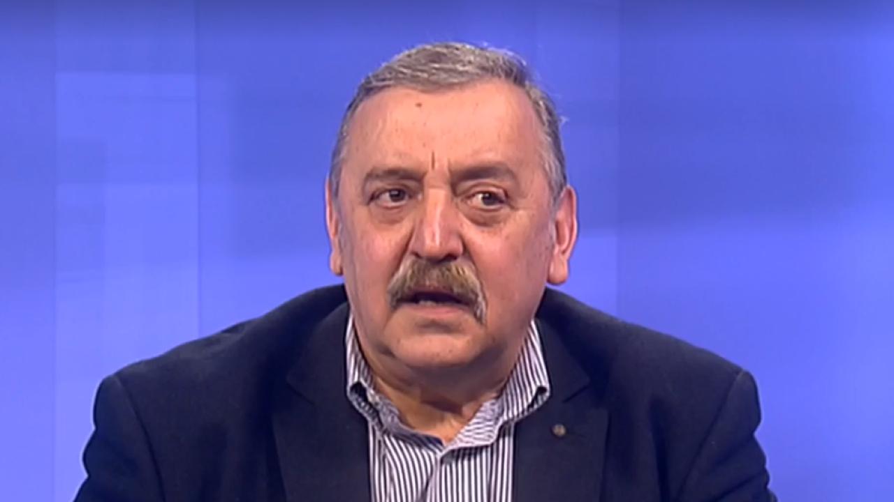 Проф. Кантарджиев: Пускането на публика по стадионите и отварянето на дискотеките трябва да бъде отложено