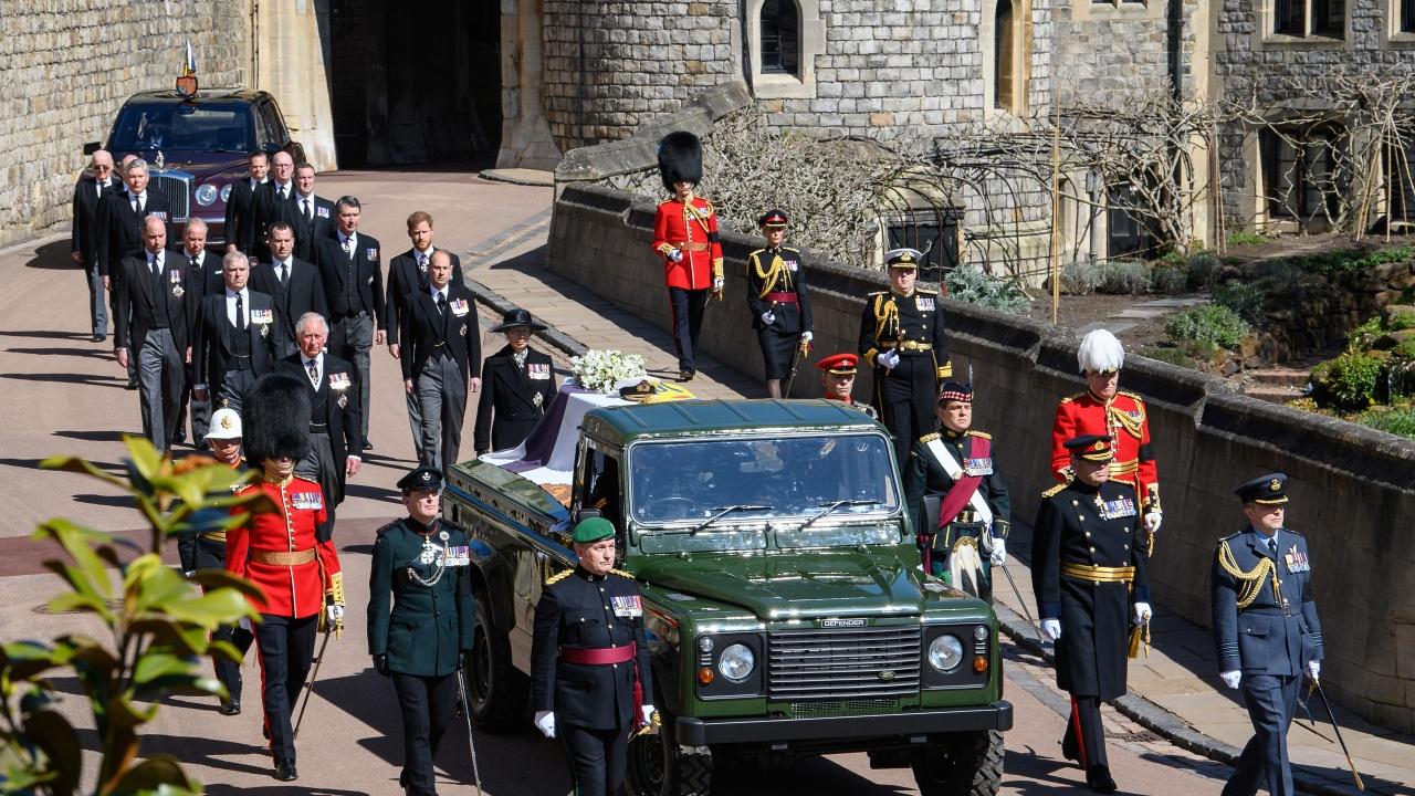 Деца и внуци изпратиха принц Филип в последния му път