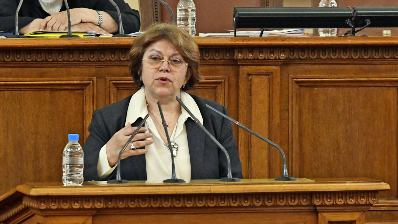 Татяна Дончева: Борисов замества Тити Папазов, да остави жените да плачат