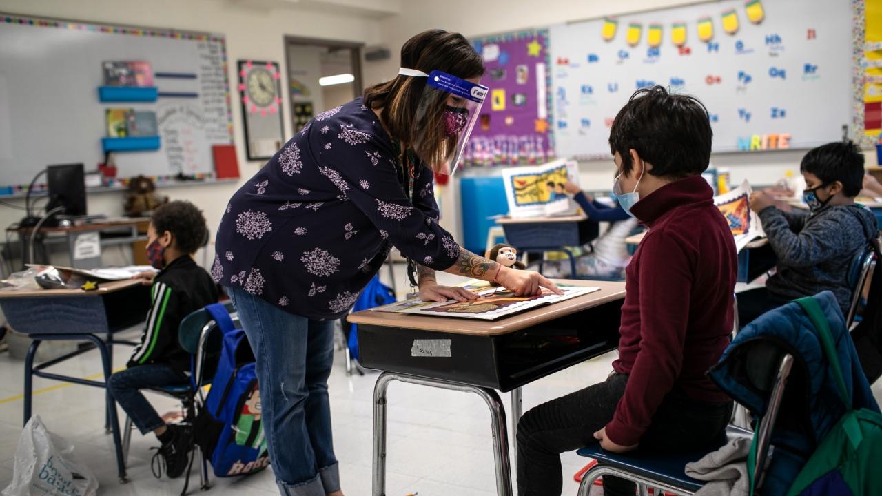 Унгария отваря училищата въпреки големия брой новозаразени