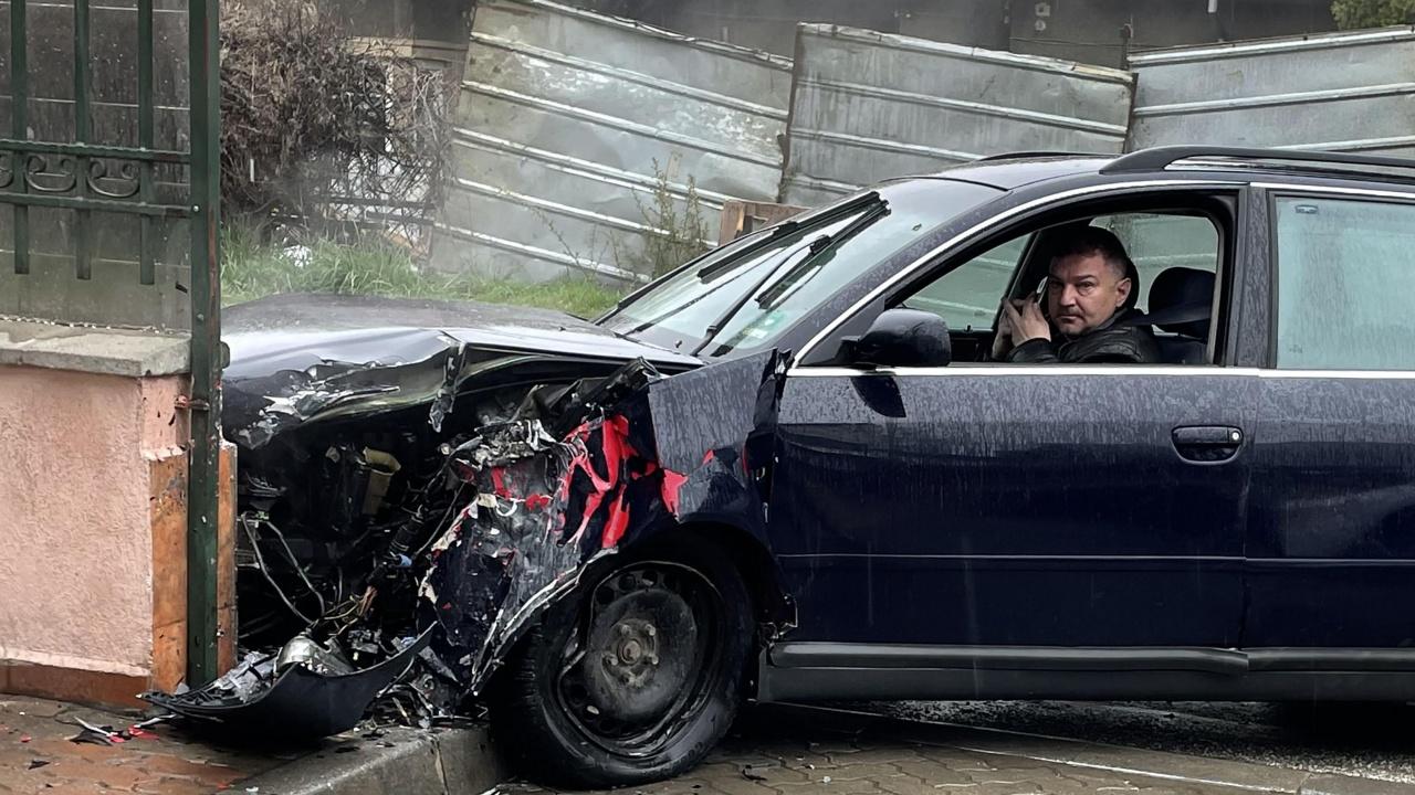 """Пиян шофьор блъсна човек в """"Бояна"""", изчака полицията, тъй като не е в състояние да ходи"""