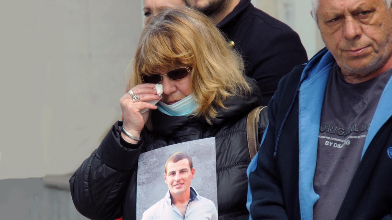 Протест пред бургаския съд заради пияни и дрогирани шофьори