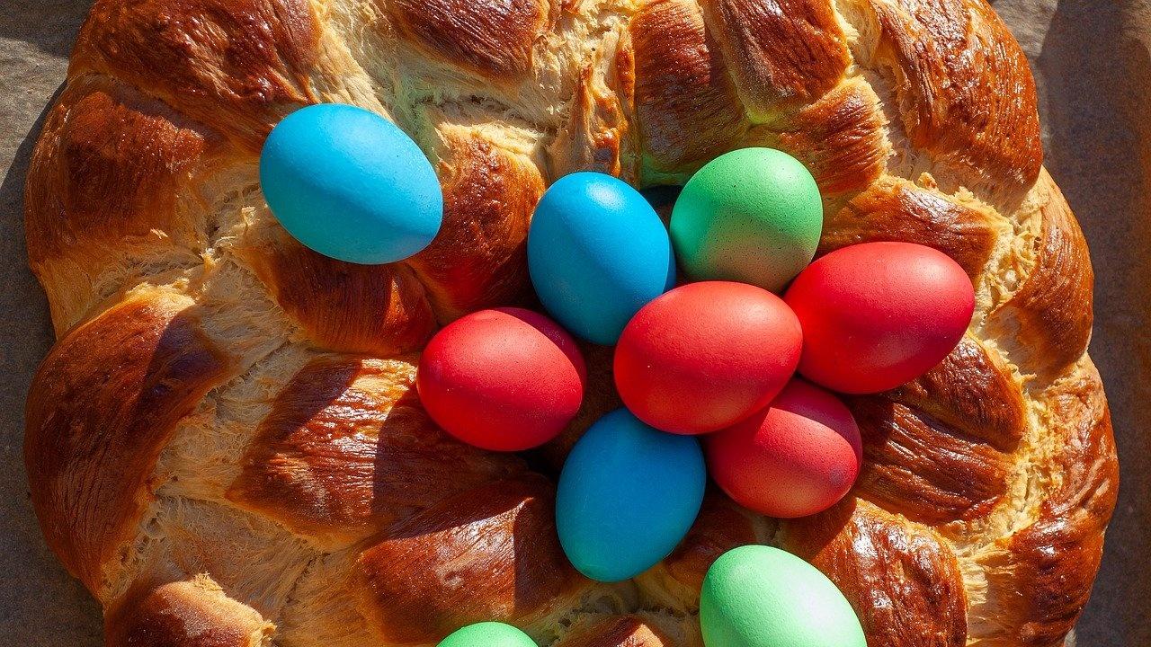 Социално слаби и самотно живеещи от разградското село Островче ще получат козунаци и яйца за Великден