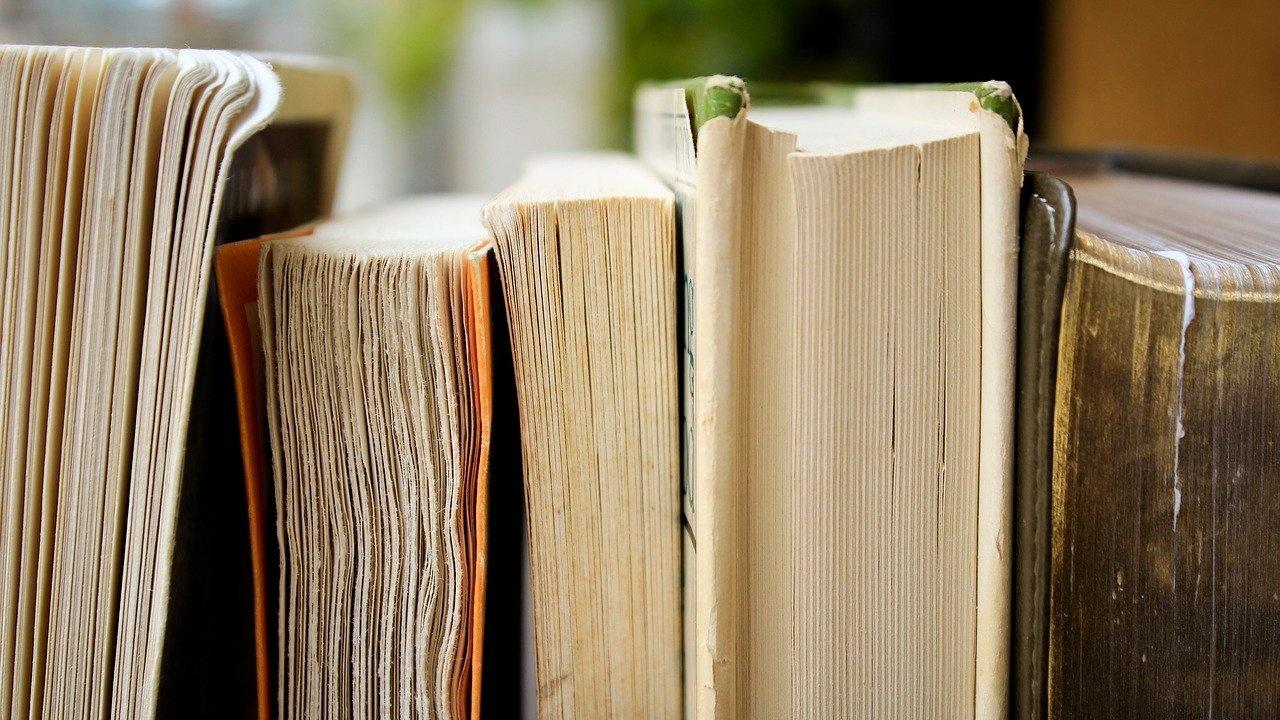 Машина за дезенфекция на книги закупи община Монтана за библиотека в града