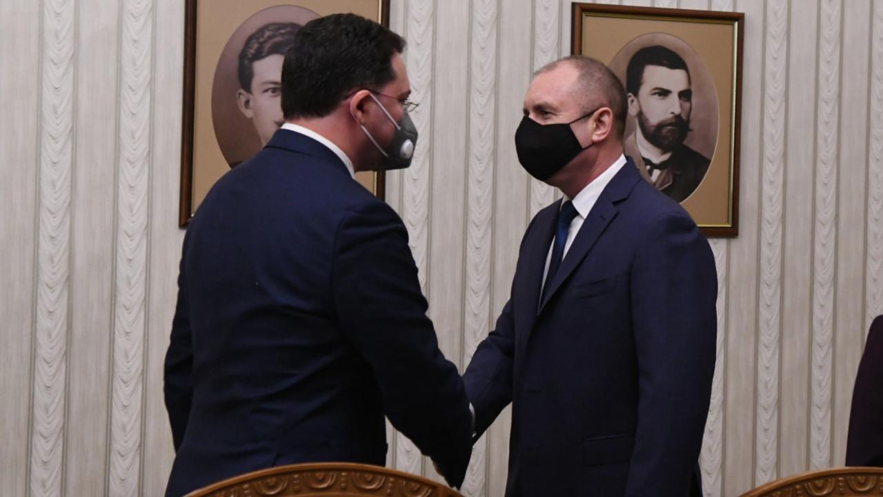 Утре Румен Радев ще връчи мандат за съставяне на правителство на ГЕРБ