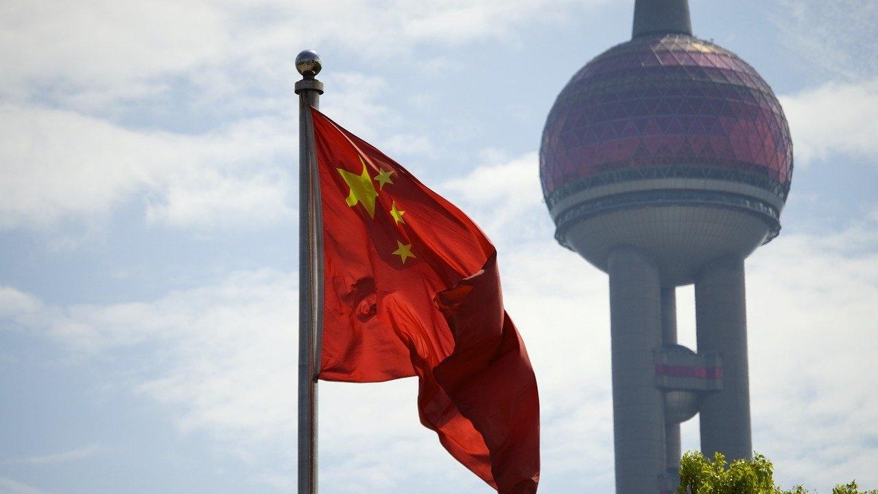 Слабо подобрение на китайските икономически нагласи през април