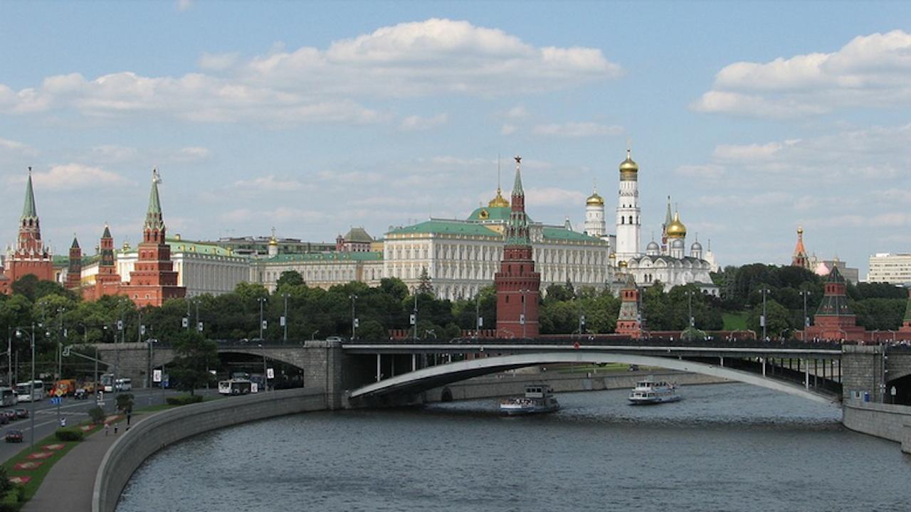 Действията на Чехия са разрушителни за двустранните отношения с Русия, заяви говорителят на Кремъл