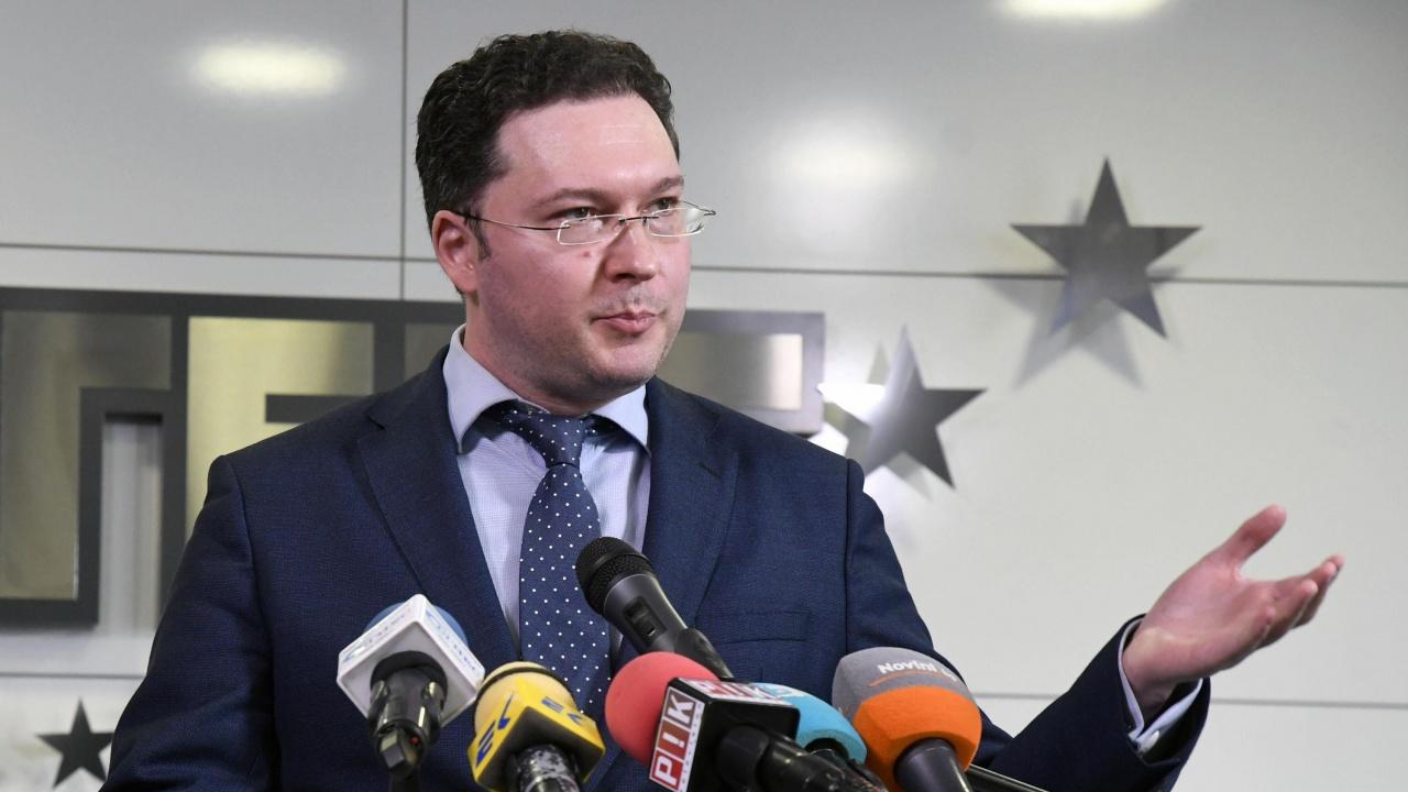 Георги Марков за преговорите за кабинет с ДБ: Митов, не те ли е срам? Унижавате Бойко!
