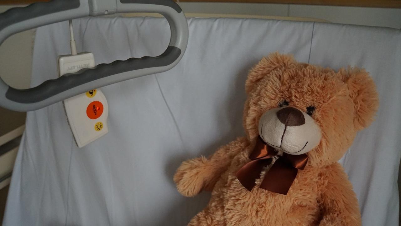 Ето какво е състоянието на 3-годишното дете, ранено от майка си във Враца