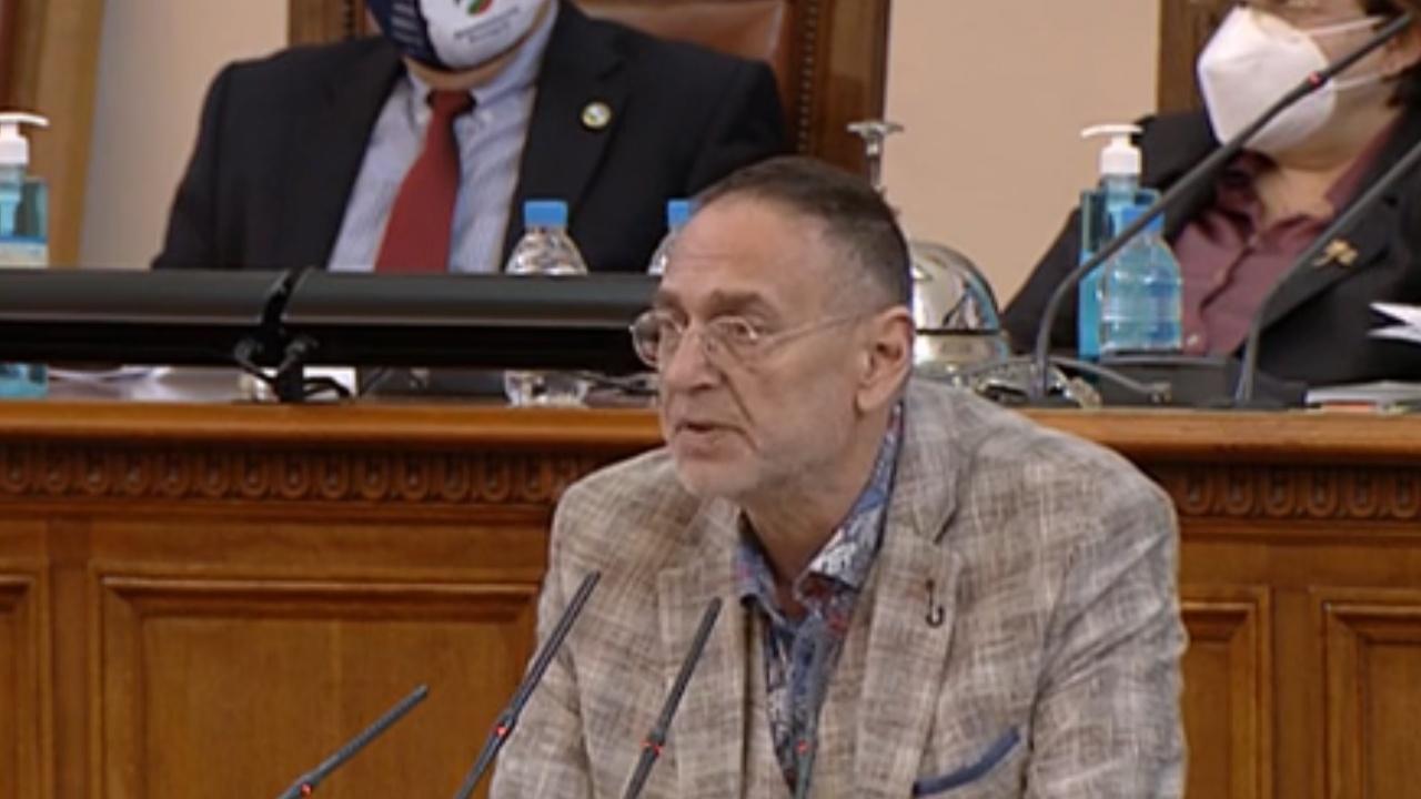 Любен Дилов-син напомни за арменския геноцид: В петък да няма неудобство в парламента