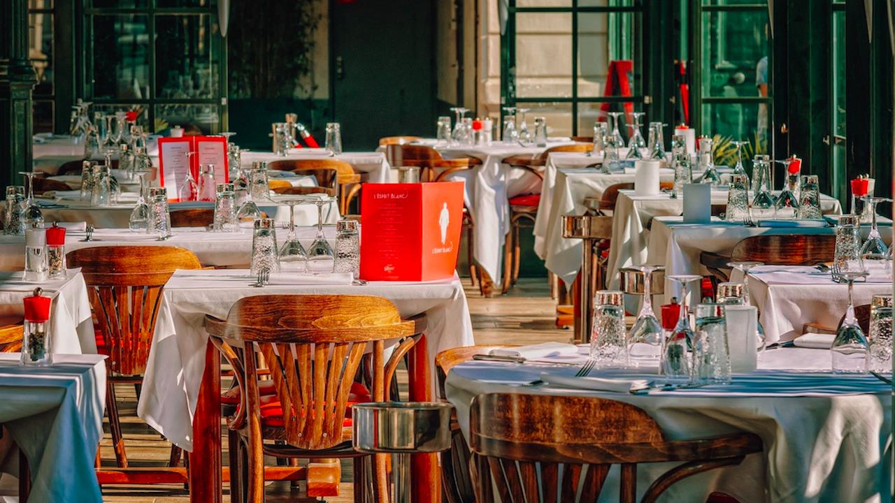 Гърция планира да отвори ресторантите след Великден