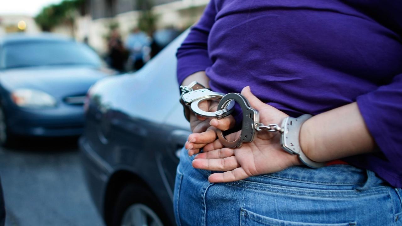 Българи опитали да извадят шофьорски книжки с менте документи във Флорида