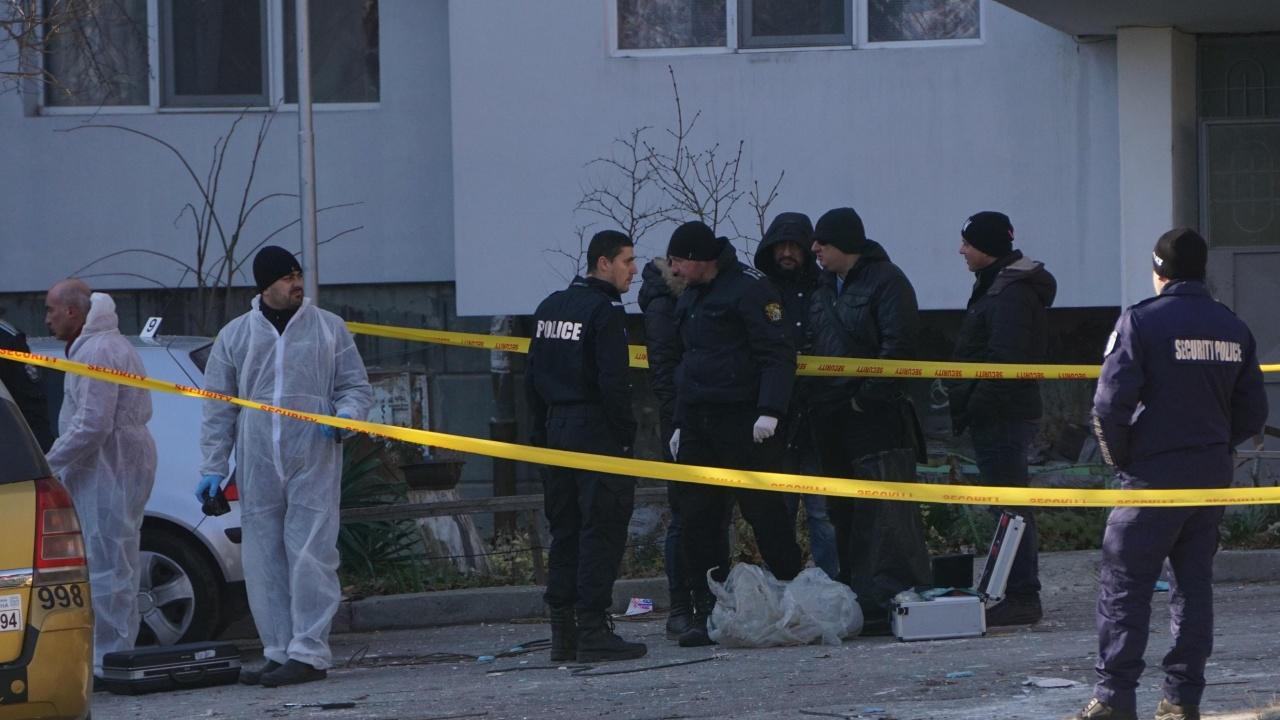 Проговориха братята на мъжа, който е живял с откритата мъртва жена във Враца