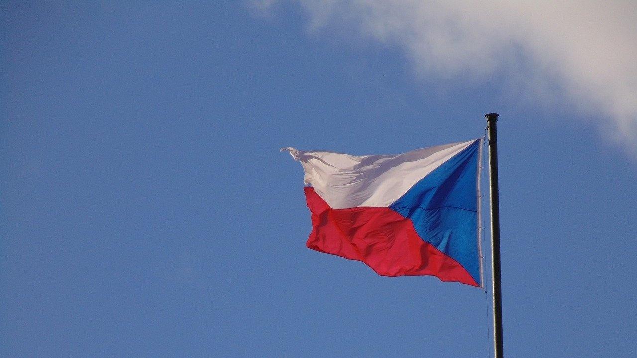 Чехия провежда консултации с Великобритания и Нидерландия заради експлозиите в оръжейни складове