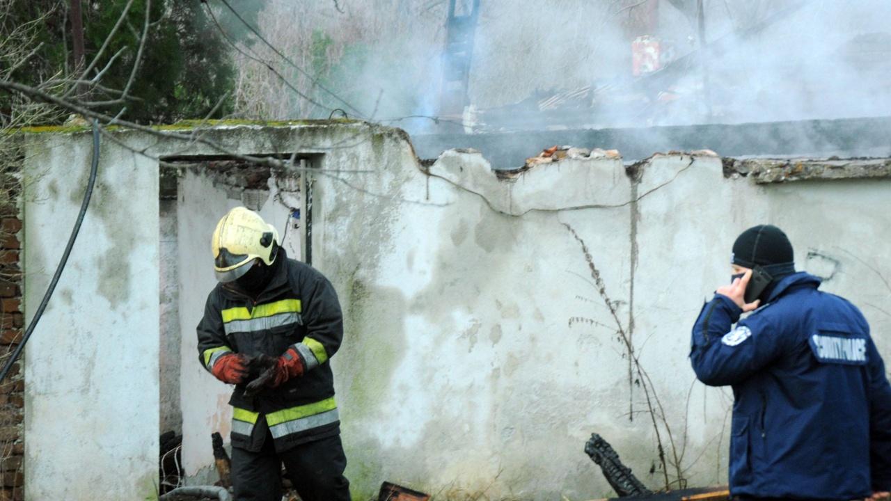 Мъж загина при пожар в село Плъстина