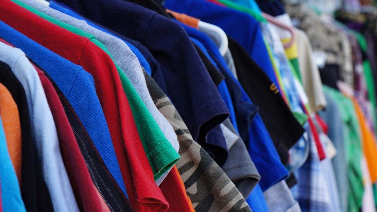 Русенци ще могат да изхвърлят стари дрехи и обувки в специални контейнери