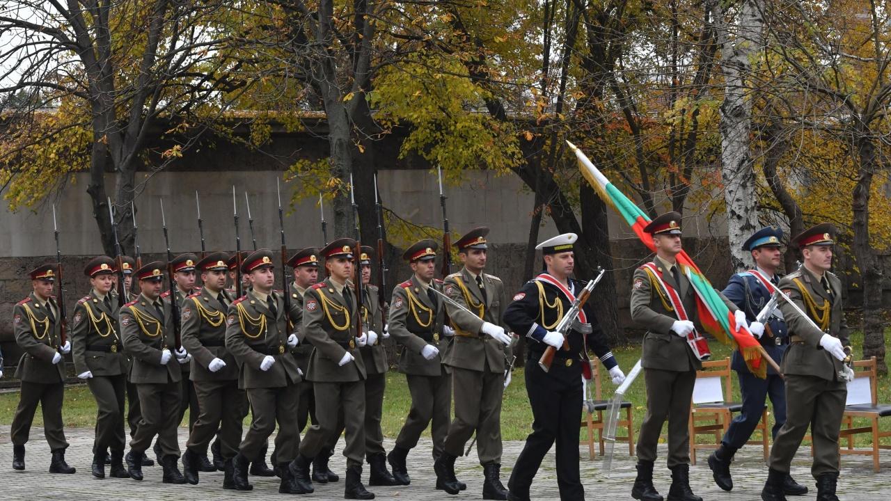 Няма да има военен парад на 6 май и тази година