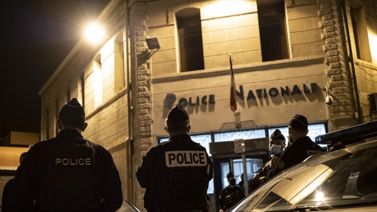 Премиерът на Франция: Нападението в Рамбуйе е ново посегателство срещу Франция