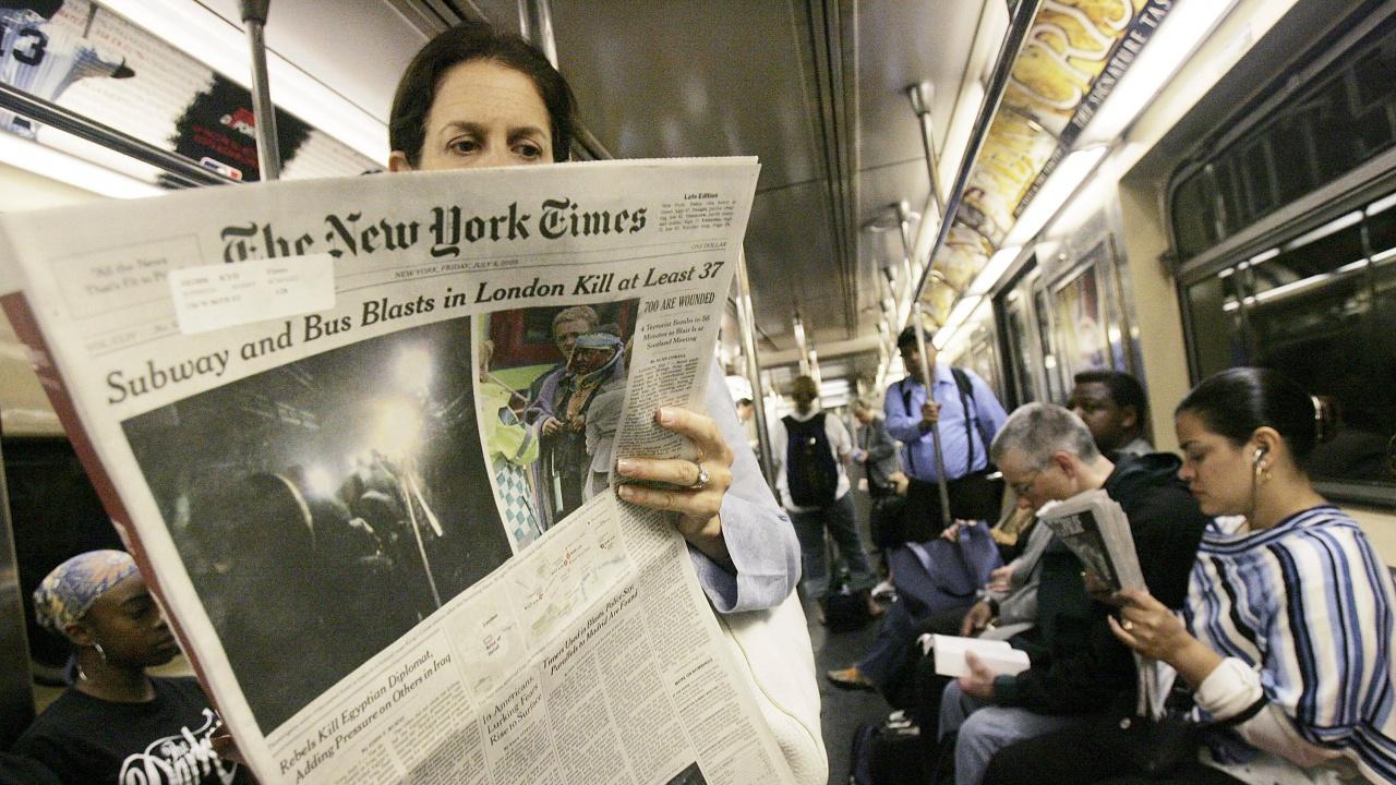 """""""Ню Йорк таймс"""" с материал за взривовете в Чехия и Емилиян Гебрев"""