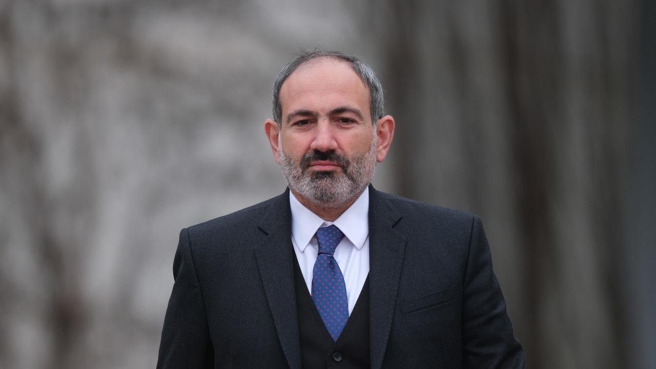 Премиерът на Армения подаде оставка преди предсрочните избори