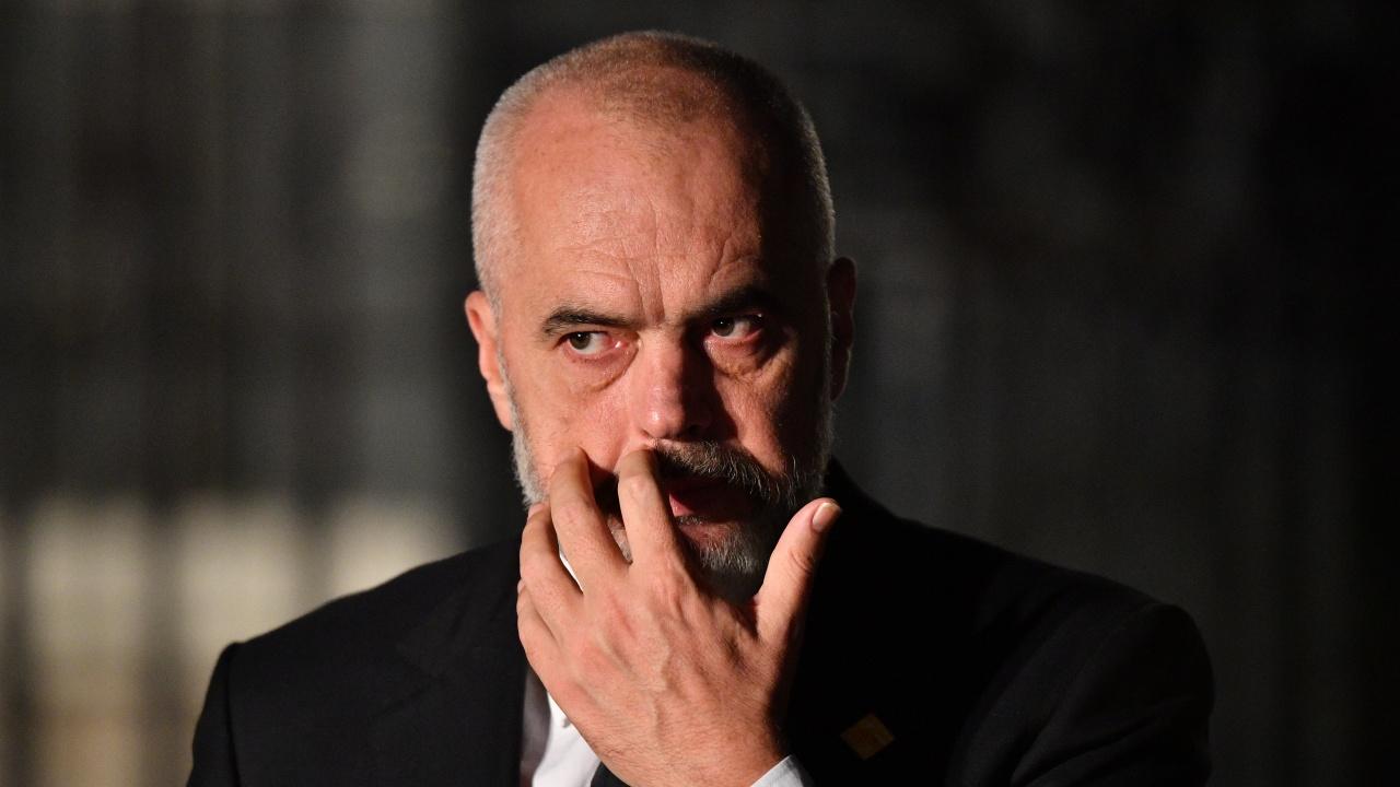 Опозицията обяви победа на изборите в Албания, екзитполове дават преднина на управляващите