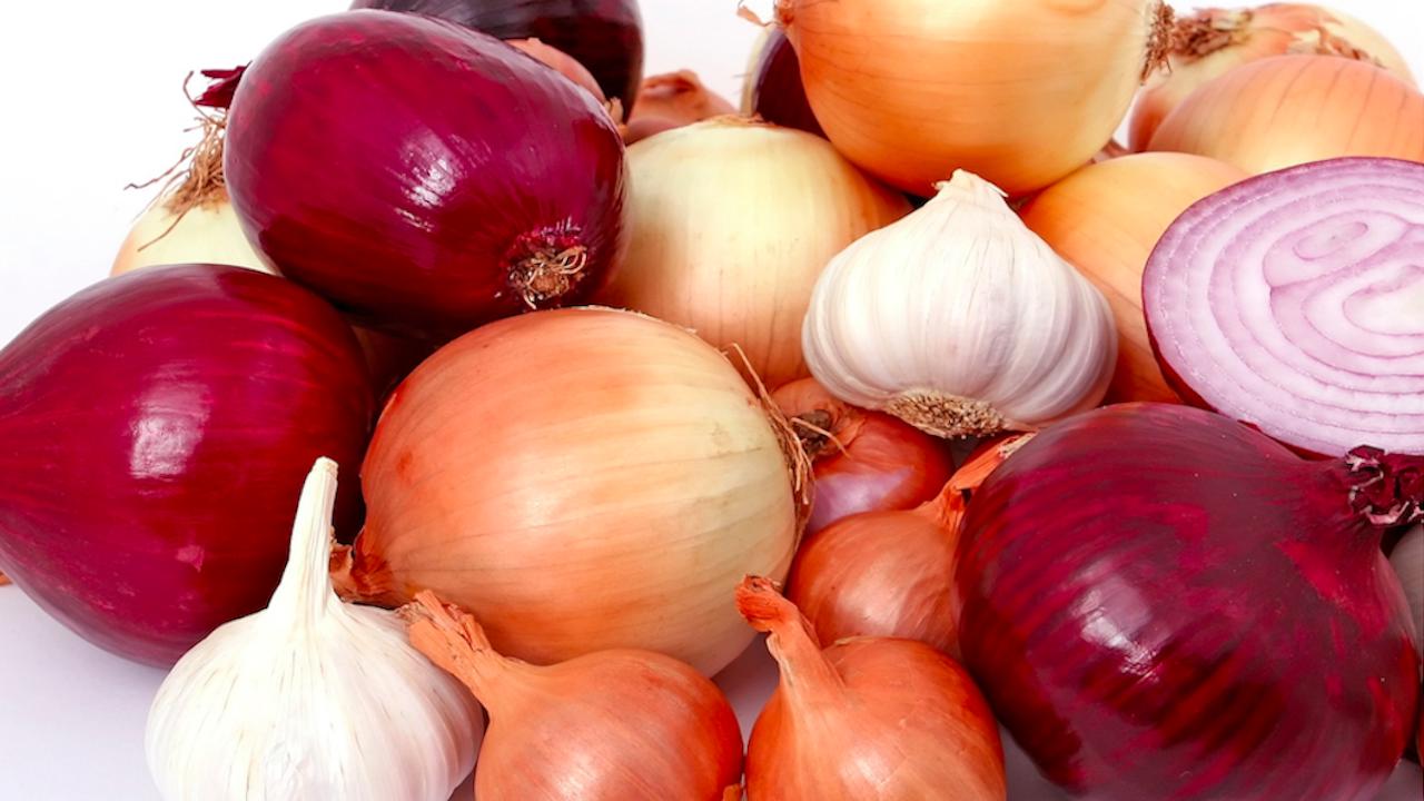 Лукът и чесънът помагат в лечението на хипертония и диабет
