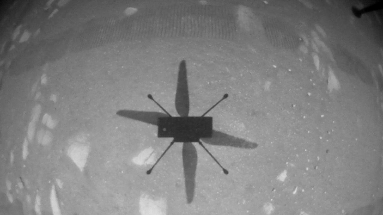 """Третият полет на """"Инджинюъти"""" на Марс: Хеликоптерът стигна по-далече и разви по-голяма скорост"""